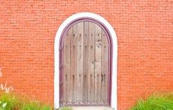 Старая дверь деревянная Стоковое Изображение