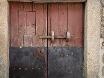 Старая дверь деревянных и металла Стоковое Изображение RF