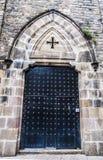 Старая дверь металла каменного здания Стоковая Фотография RF