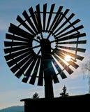 Старая ветрянка на небе Стоковое Фото