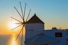 Старая ветрянка на острове Santorin Стоковые Фото