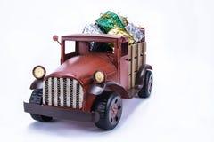 Старая винтажная тележка игрушки стоковые фотографии rf