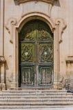 Старая входная дверь ` Madonna Del Кармина ` церков стоковое изображение