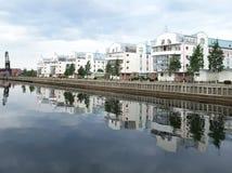 Старая гавань и новый дом стоковые изображения rf