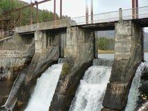Старая гидро электростанция в горах Стоковое Изображение RF