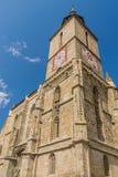 Старая готическая церковь с башней с часами стоковые изображения rf