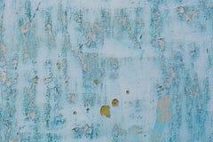 Старая голубая треснутая краска на предпосылке металла Стоковое Изображение RF