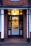 Старая дверь в Великобритании Вулверхэмптоне стоковые фотографии rf