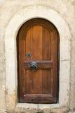 Старая дверь в монастыре стоковое изображение rf