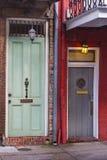 Старая дверь 2 от французского квартала Стоковая Фотография