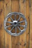 Старая деревянная смертная казнь через повешение колеса телеги Стоковое Изображение RF