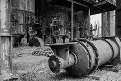 Старая доменная печь фабрики стоковые фотографии rf