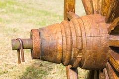 Старая древесина колеса фуры Стоковая Фотография RF