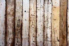 Старая древесина с треснутой краской белого цвета Стоковая Фотография RF