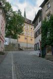 Старая европейская улица булыжника стоковые фотографии rf