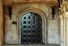 Старая деревянная дверь свода Стоковая Фотография