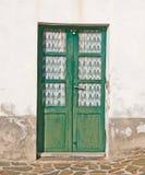 Старая деревянная дверь Стоковые Изображения