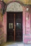 Старая деревянная дверь Стоковые Изображения RF