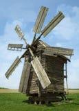 Старая деревянная ветрянка Стоковая Фотография