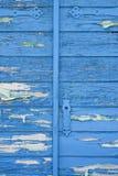 Старая деревянная голубая дверь Стоковое Изображение