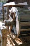 Старая деревянная мельница катит внутри Румынию Стоковое фото RF
