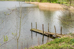 Старая деревянная мола в районе озера, Англии Стоковое Изображение