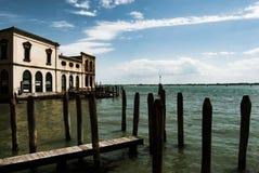 Старая деревянная пристань, Венеция, Италия стоковые фото