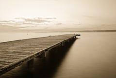 Старая деревянная пристань Стоковые Изображения