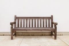 Старая деревянная скамья Стоковые Фото