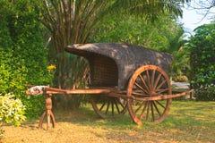 Старая деревянная тележка Стоковые Фотографии RF