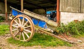 Старая деревянная тележка Стоковое Изображение