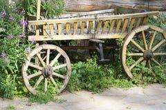Старая деревянная фура в деревянном доме Стоковые Фотографии RF