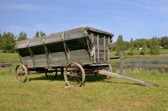 Старая деревянная фура для тянуть зерно Стоковое фото RF