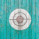 Старая деревянная цель на загородке Стоковое фото RF