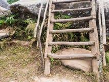 Старая деревянная часть лестницы, внешняя Стоковая Фотография
