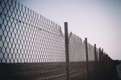 Старая загородка звена цепи ржавчины Стоковые Фото