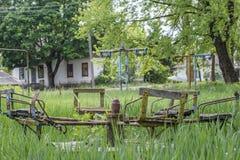 Старая загубленная покинутая привлекательность в летнего лагеря Стоковое Фото