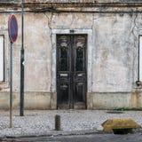Старая закрытая дверь Стоковая Фотография RF