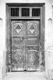 Старая индийская украшенная деревянная дверь Стоковые Изображения RF