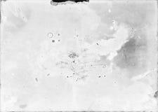 Старая и поврежденная фотографическая бумага неправильно превратилась полезный как стоковые фото