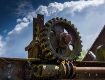 Старая и ржавая шестерня в солнечном свете Стоковые Изображения RF