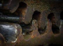 Старая и ржавая шестерня в солнечном свете Стоковые Фотографии RF