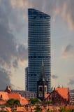 Старая и самомоднейшая башня Стоковые Фотографии RF