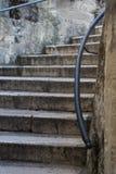 Старая каменистая лестница Стоковые Фото