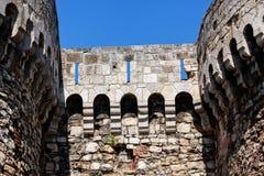 старая каменная башня Стоковые Изображения
