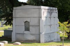 Старая каменная крипта захоронения Стоковое фото RF