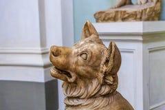 Старая каменная собака Стоковые Фотографии RF