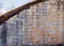Старая каменная стена, архитектурноакустическая деталь Стоковые Фотографии RF