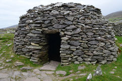 Старая каменная хата улья на Dingle Стоковое Изображение RF
