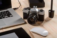 Старая камера в фокусе стоковая фотография rf